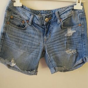 American Eagle Light Wash Distressed Shorts 2
